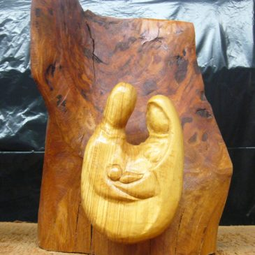 Kunstwerke aus Holz, Stein und Metall