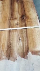 Ein au ergew hnlicher stamm europ nussbaum bereits for Hk aussendesign nussbaum