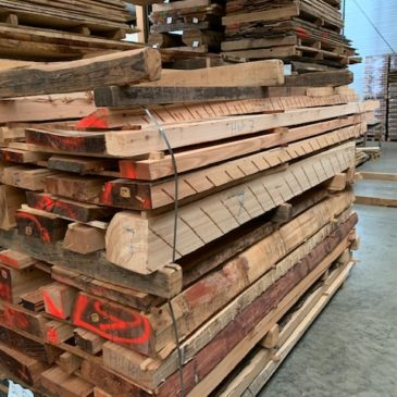 Larch lumber from veneer production